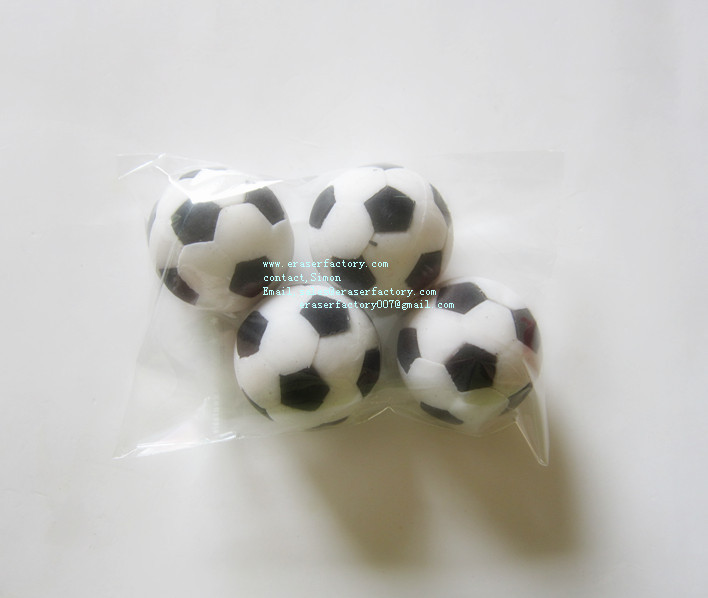 LXS82  Fun Football 3D Erasers